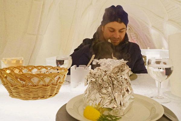 SnowRestaurant