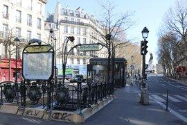 An empty Paris