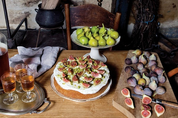 Fig and Pistachio Cake