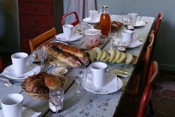 Breakfast at L'Epicerie du Pape
