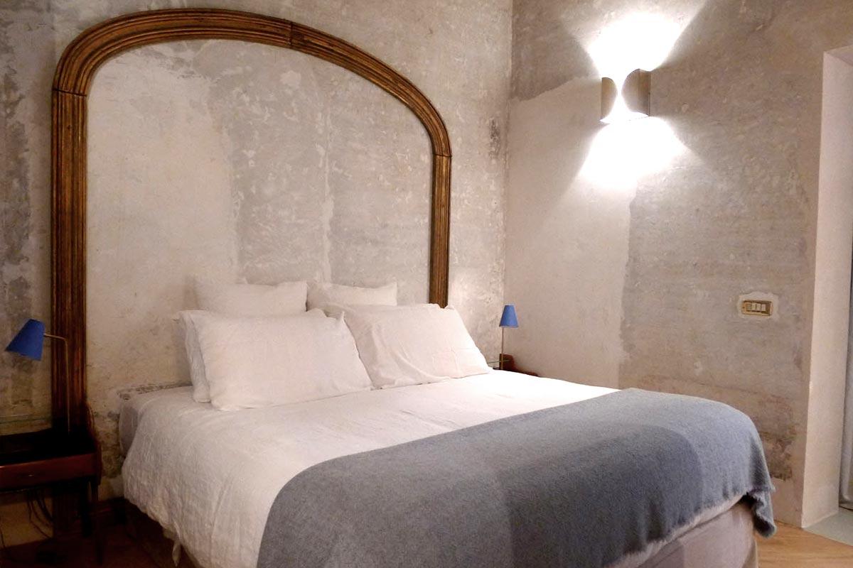 G-Rough bedroom