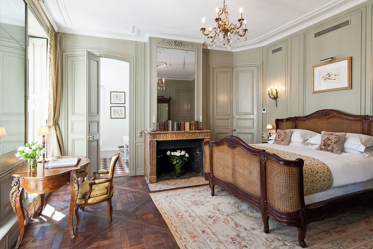 vacation rental 101 book these dreamy parisian apartments fathom. Black Bedroom Furniture Sets. Home Design Ideas