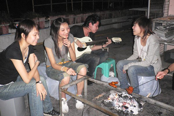 "<p>Photo: <a title=""Hong Kong Hustle"" href=""http://www.hongkonghustle.com/local-culture/83/band-room-birthday-bbq/"" target=""_blank"">Hong Kong Hustle</a></p>"