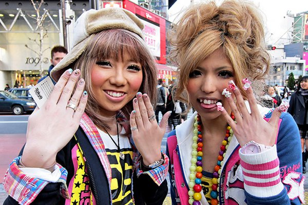 "<p>Harajuku girls showing off their manicures. Photo: <a title=""tokyofashion on Flickr"" href=""http://www.flickr.com/photos/tokyofashion/4332071791/"" target=""_blank"">tokyofashion</a> / Flickr</p>"
