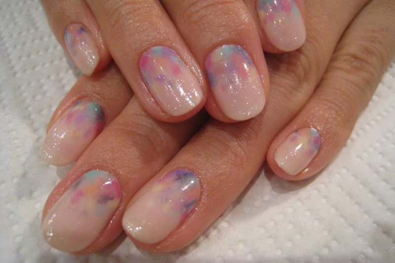 "<p>Watercolor inspired nails. Photo: <a title=""Yuko Kamikatahira"" href=""http://www..com/photo.php?fbid=419174921430910&set=a.208689325812805.67316.100000152166924&type=3&theater"" target=""_blank"">Yuko Kamikatahira</a></p>"