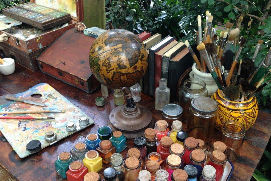 Frida's Desk
