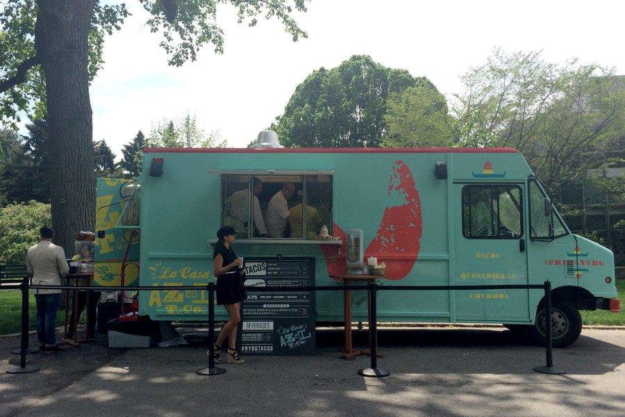 La Casa Azul Tacos Truck