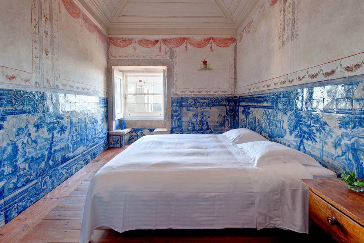 Palacio Belmonte tilework room