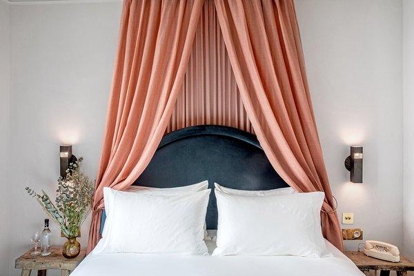 Hotel Grands Boulevards guest room - Paris, France