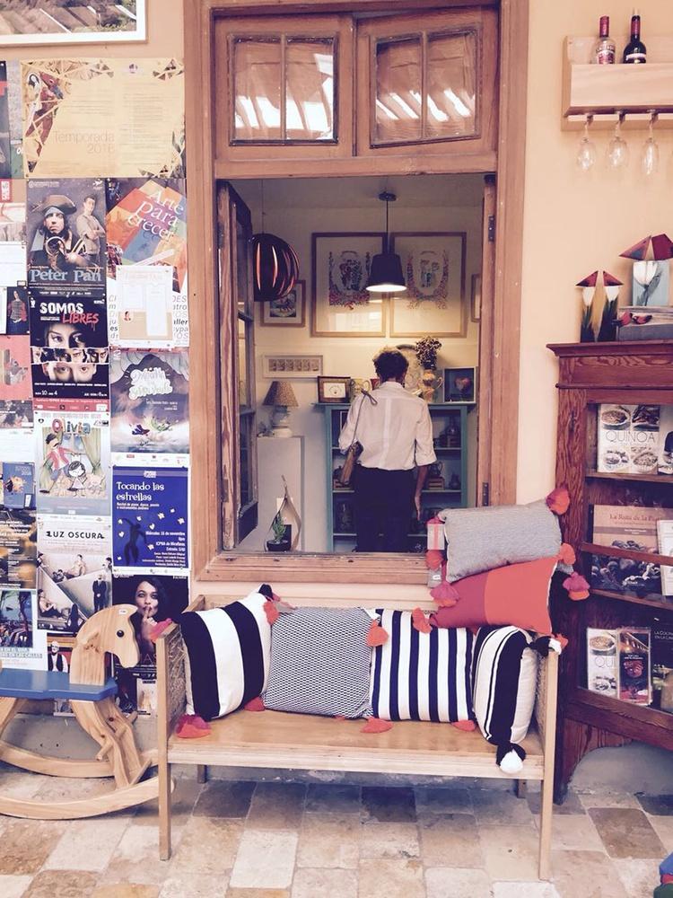 Dedalo Craft and Handicraft Store