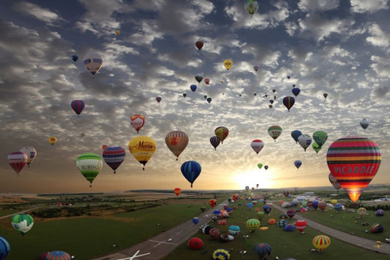 "Lorraine Mondial Air Balloon Rally. Photo: Courtesy of <a title=""Yatzer"" href=""http://yatzer.com/Lorraine-Mondial-Air-Balloon-Rally-in-France"" target=""_blank"">Yatzer</a>"
