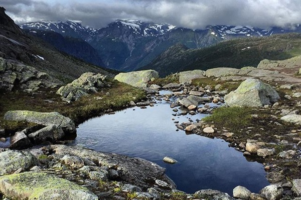 Pond on Trolltunga hike