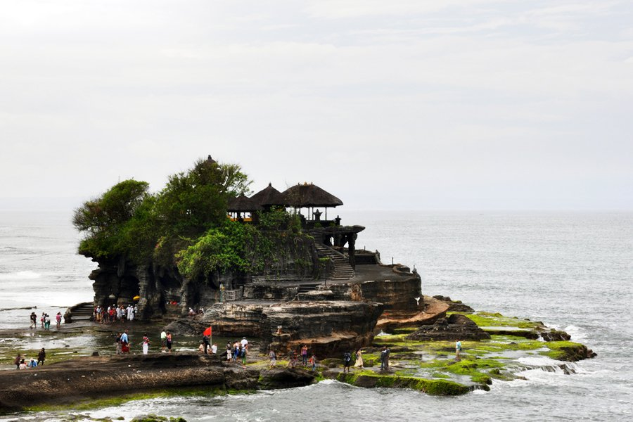 "Tanah Lot pura. Photo: <a title=""Sean Hamlin on Flickr"" href=""http://www.flickr.com/photos/wiifm69/6346852220/"" target=""_blank"">Sean Hamlin</a> / Flickr"