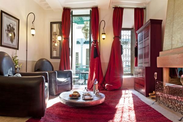 Riad Farnatchi suite living room