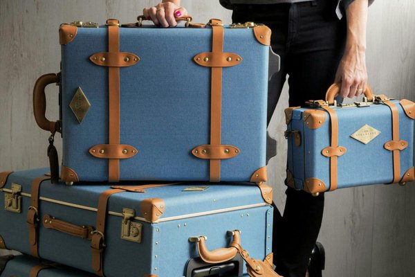 Steamline Luggage - The Voyageur Denim Spinner