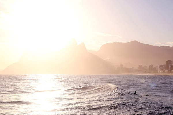 Sun and waves in rio