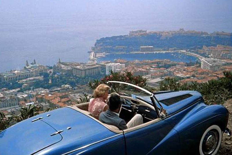 "Speed demons overlooking a cliff in ""To Catch a Thief."" Photo: <a title=""IMCDB"" href=""http://www.imcdb.org/vehicle_13886-Sunbeam-Alpine-1953.html"" target=""_blank"">IMCDB</a>"