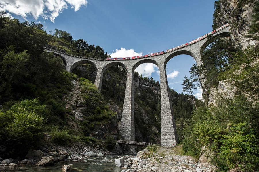 EUROPE: Bernina Express