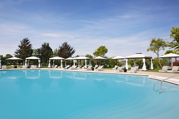 Kempinski Hotel Pool