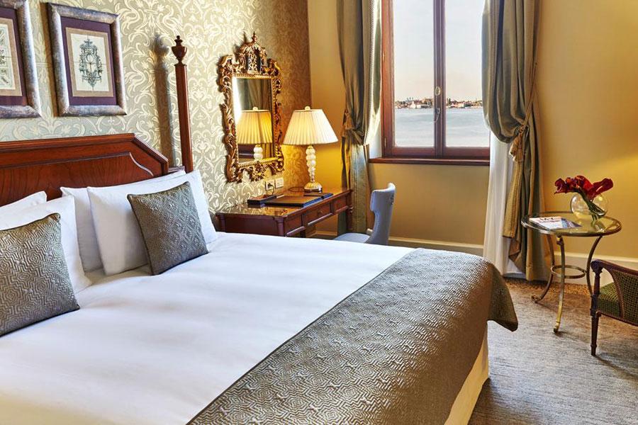 Kempinski San Clemente Palace Bedroom