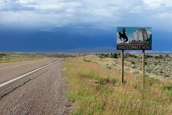 Welcome to Wyoming sign.