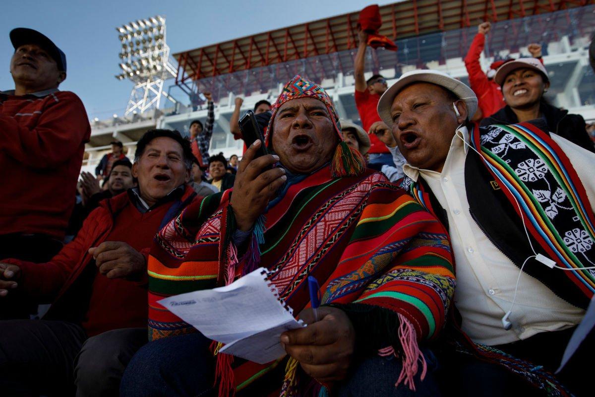 Peruvian Soccer Announcer