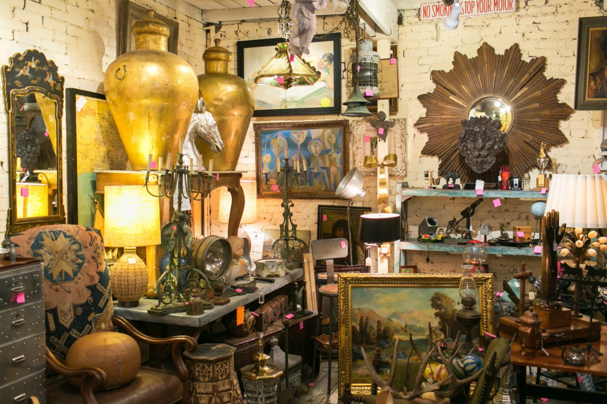 Antique center in Pasadena.
