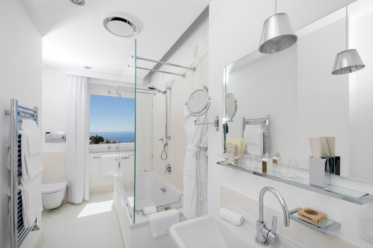 Casa Angelina bathroom