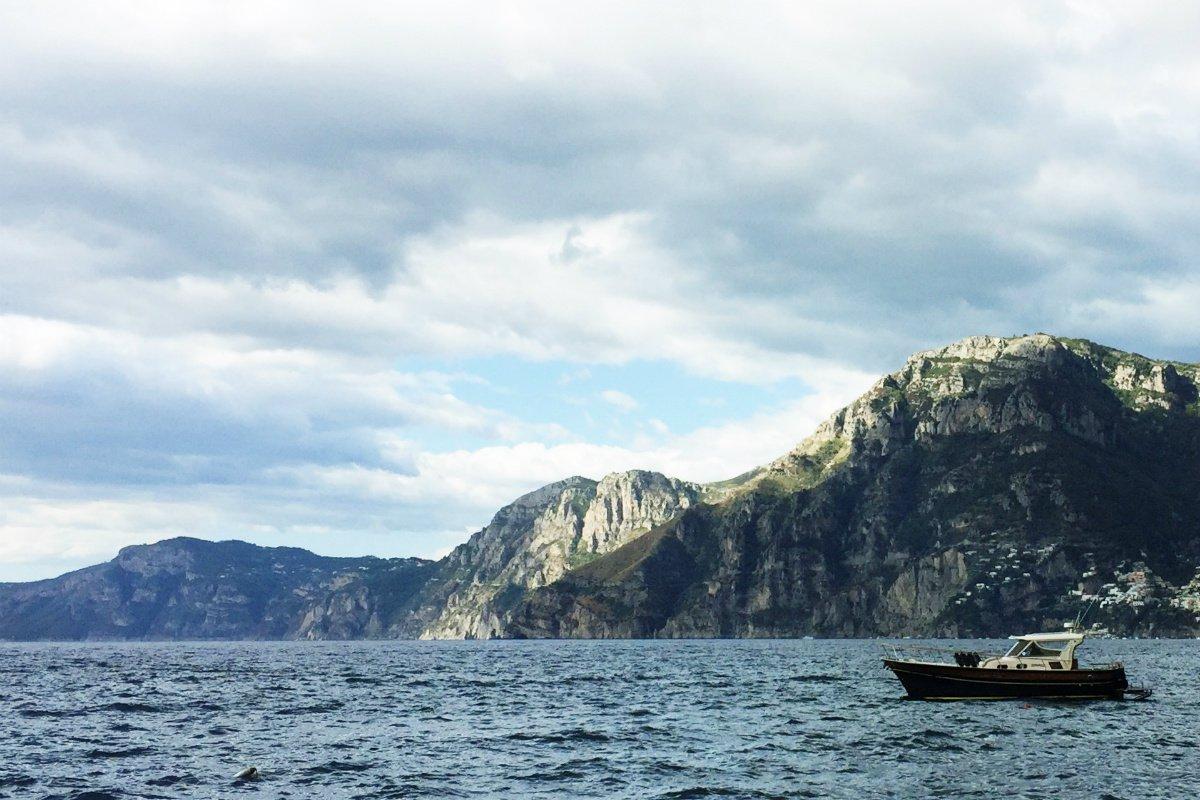 Casa Angelina boat