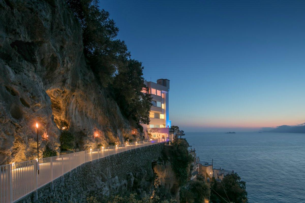 Casa Angelina walkway to entrance