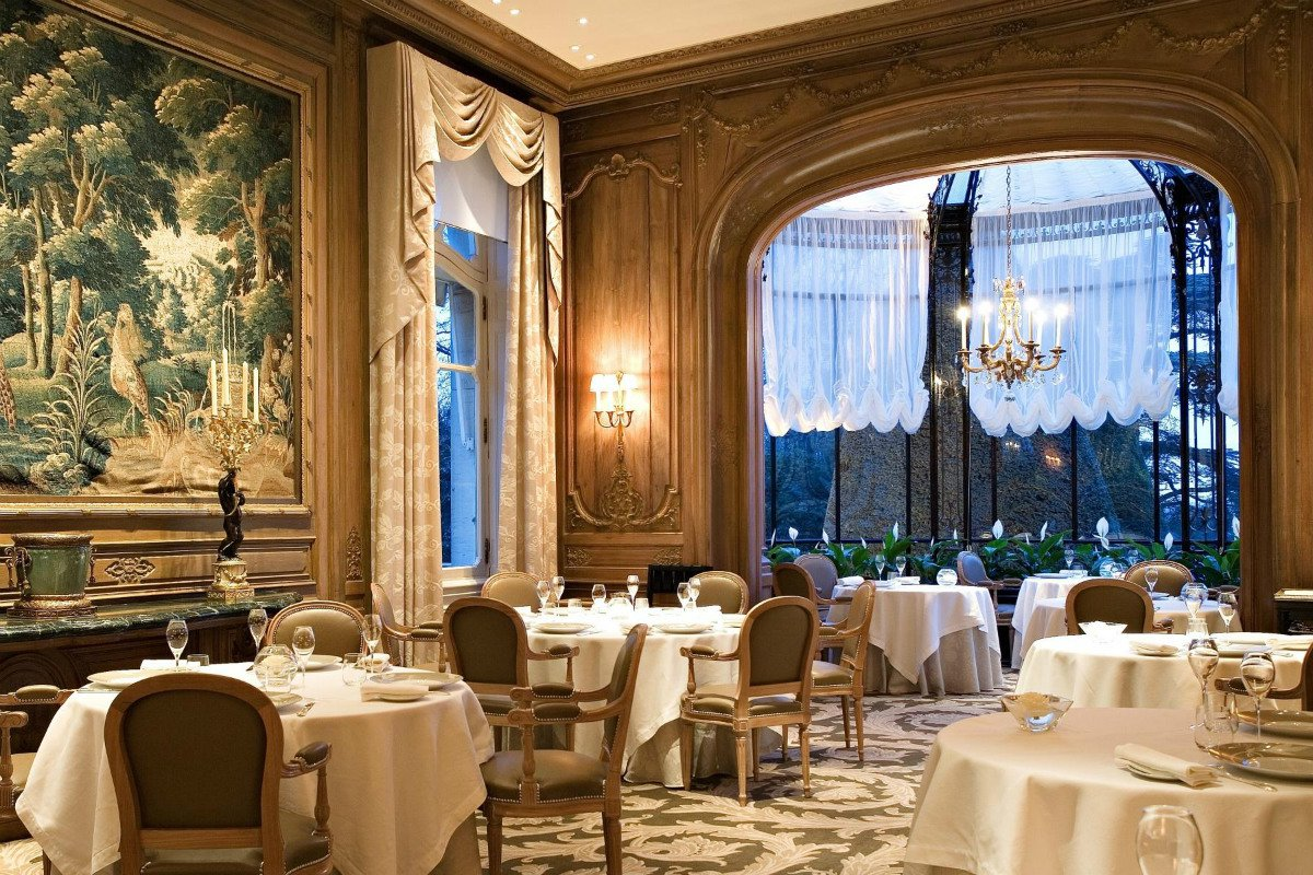 Les Crayeres restaurant dining room