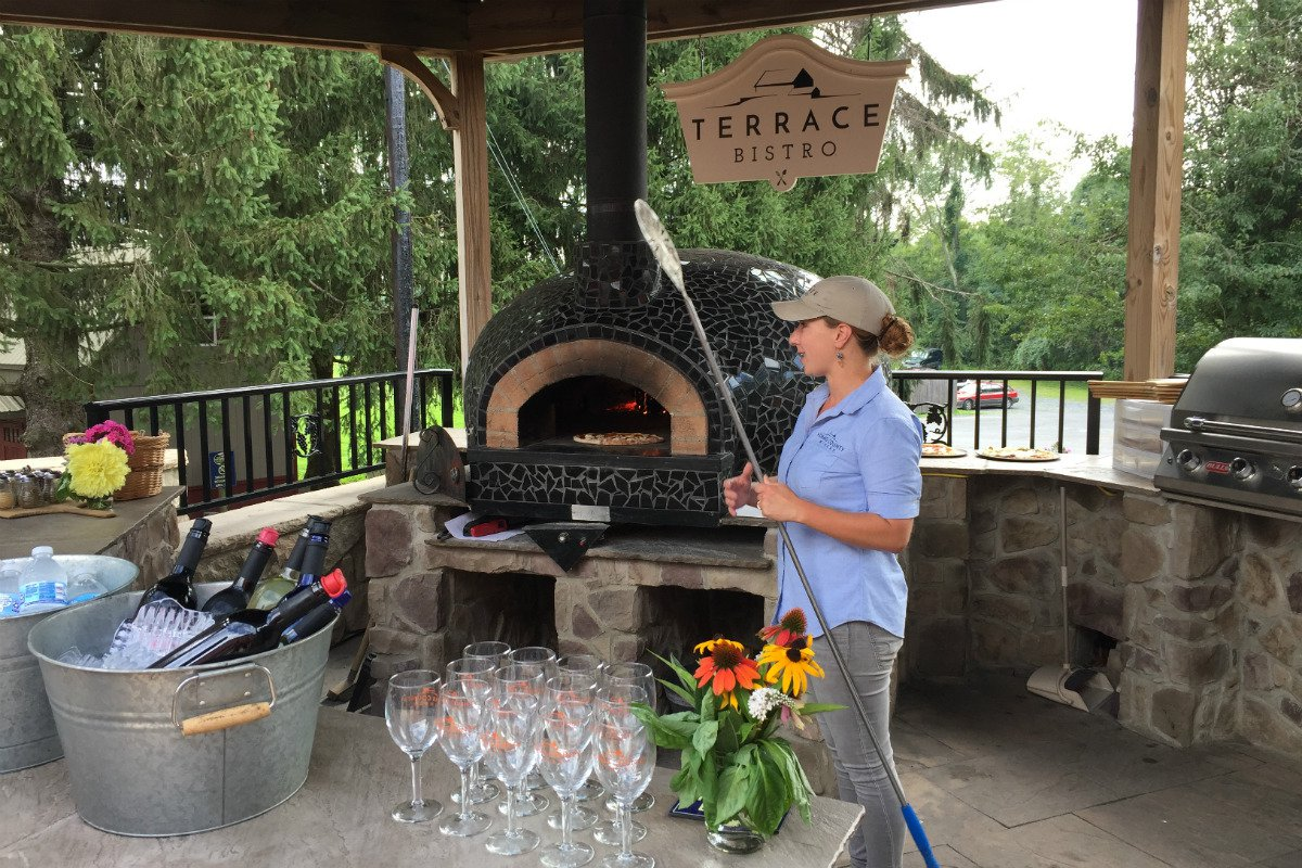 brick oven pizza and wine tasting at Adams County Winery