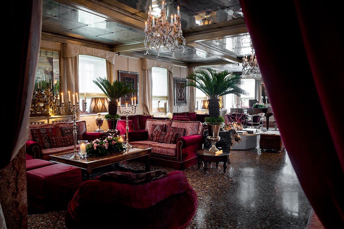 Hotel Metropole Lobby.