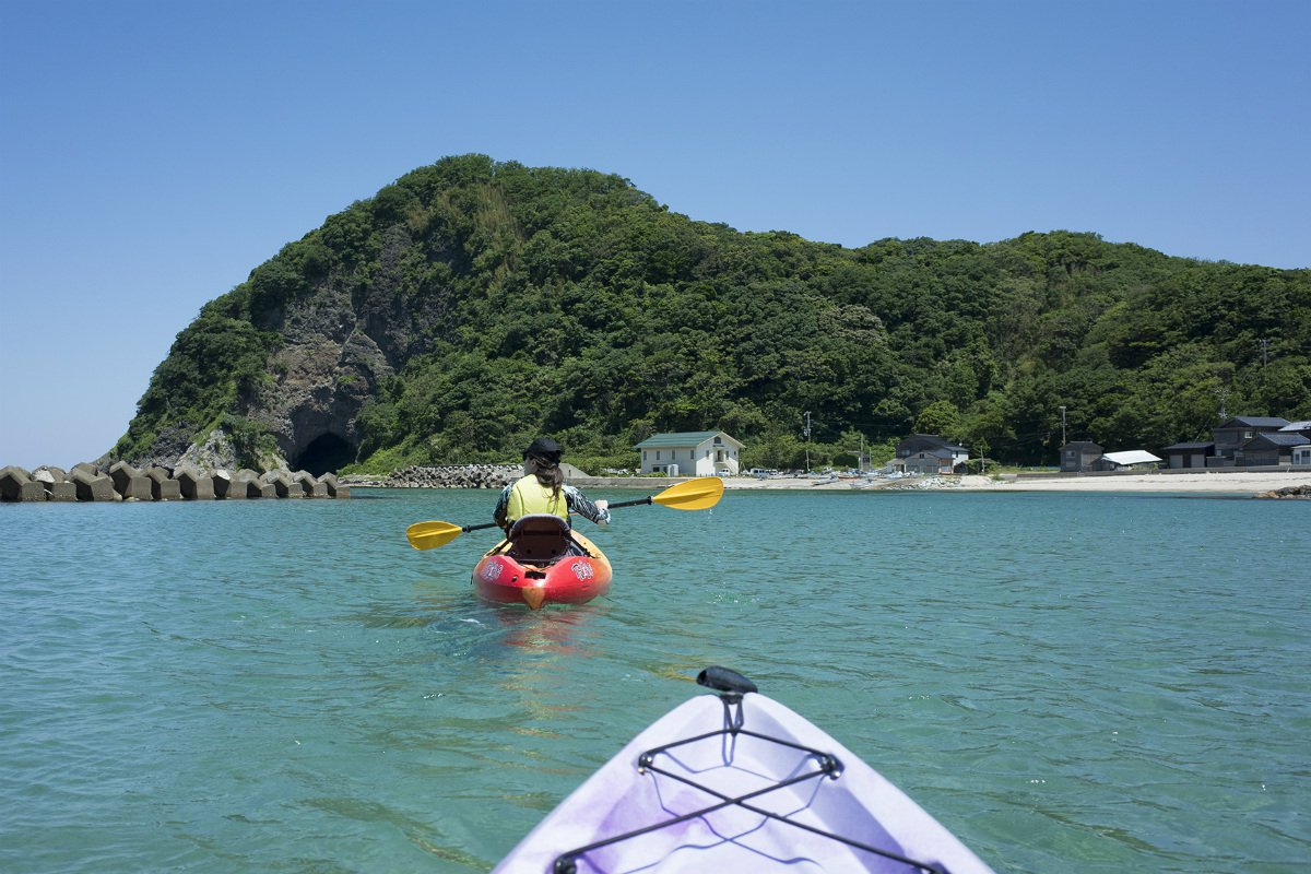 Takeno Beach kayaking