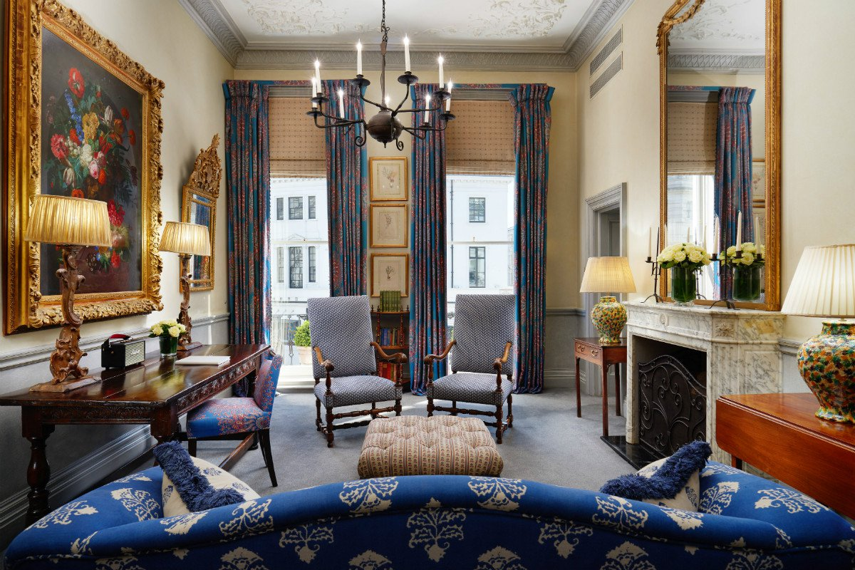 Interior of a king suite at The Pelham London