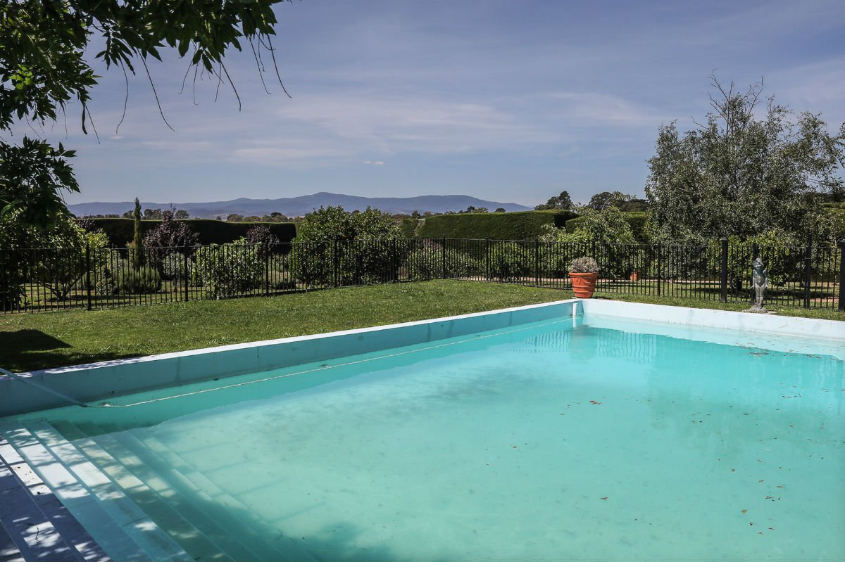 Melba Estate pool, Melbourne, Victoria.
