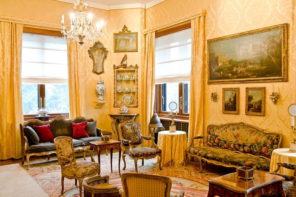 Villa Necchi Campiglio breakfast room.
