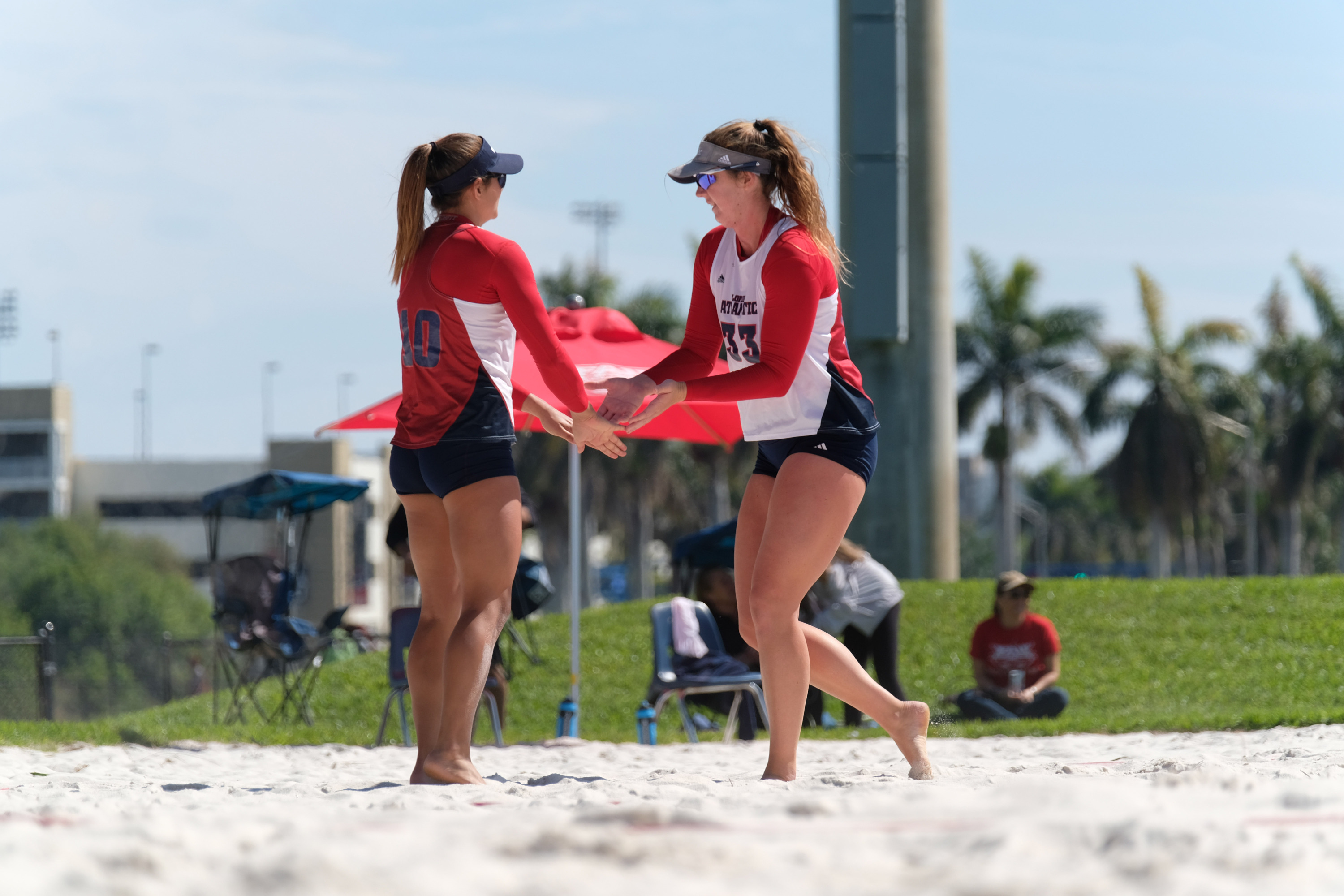 Brittany Pellitteri (L) and Carly Scarbrough (R).