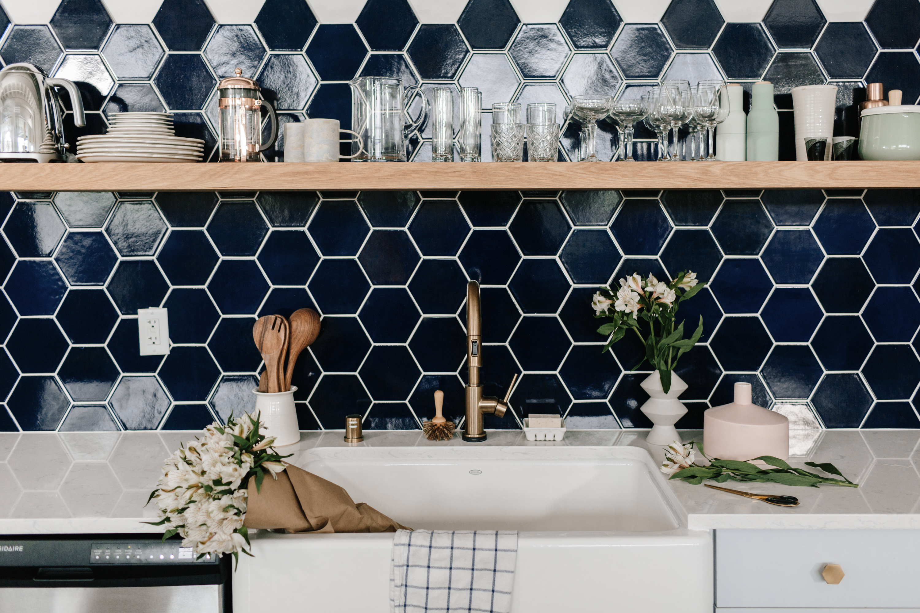 "Wit and Delight Navy Blue 6"" Hexagon Fireclay Tile Kitchen Backsplash"