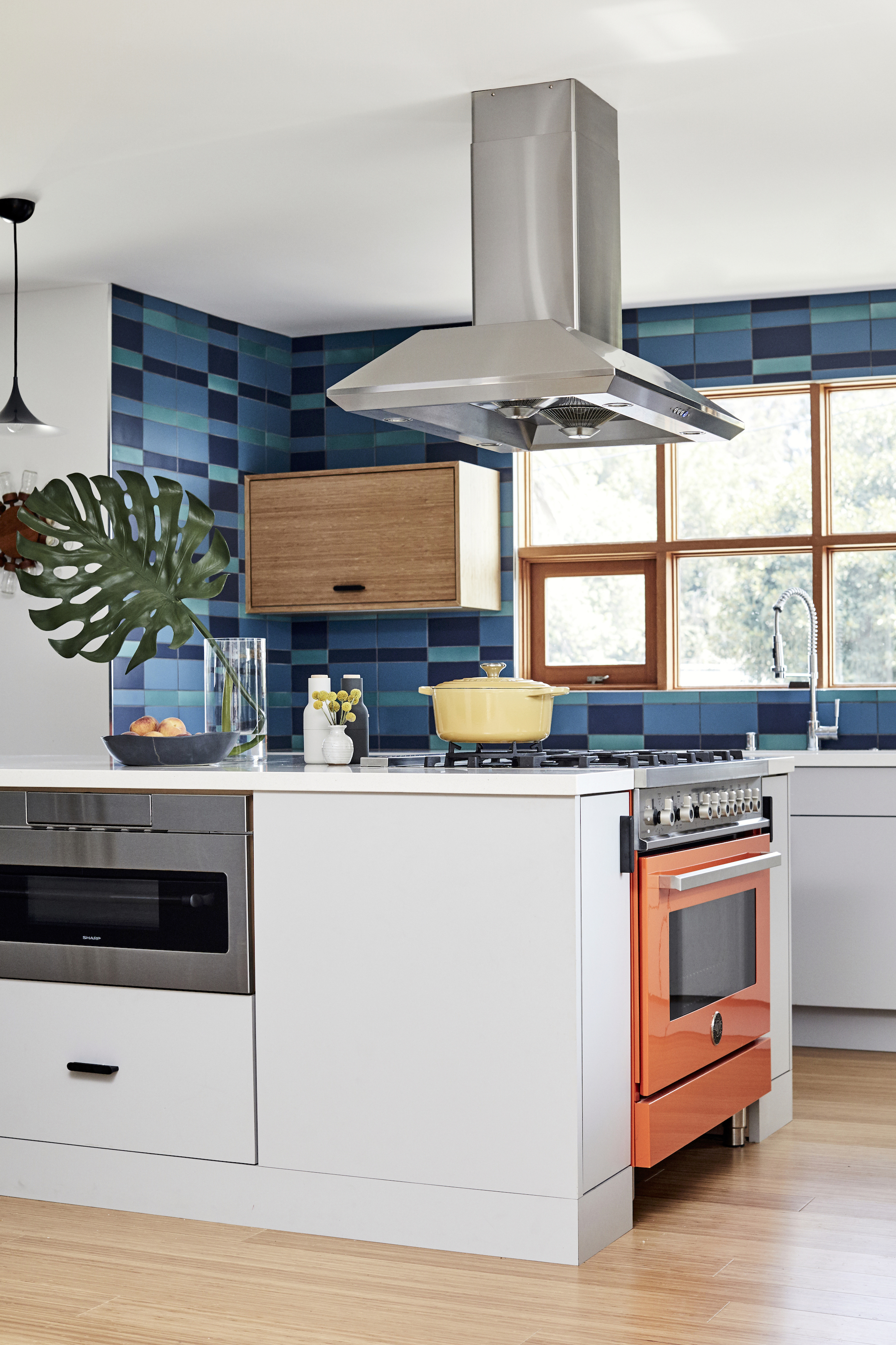 2017_q4_img_hi_res_rights_residential_the_niche_home_jenna_Peffley_photo_ceramic_kitchen_backsplash_plaid_peacock_2x8_4x8_fluorite_2x8_4x8_blue_velvet_2x8_4x8_blend_FC207276_2_181029_155910.jpg?mtime=20181029155910#asset:423606