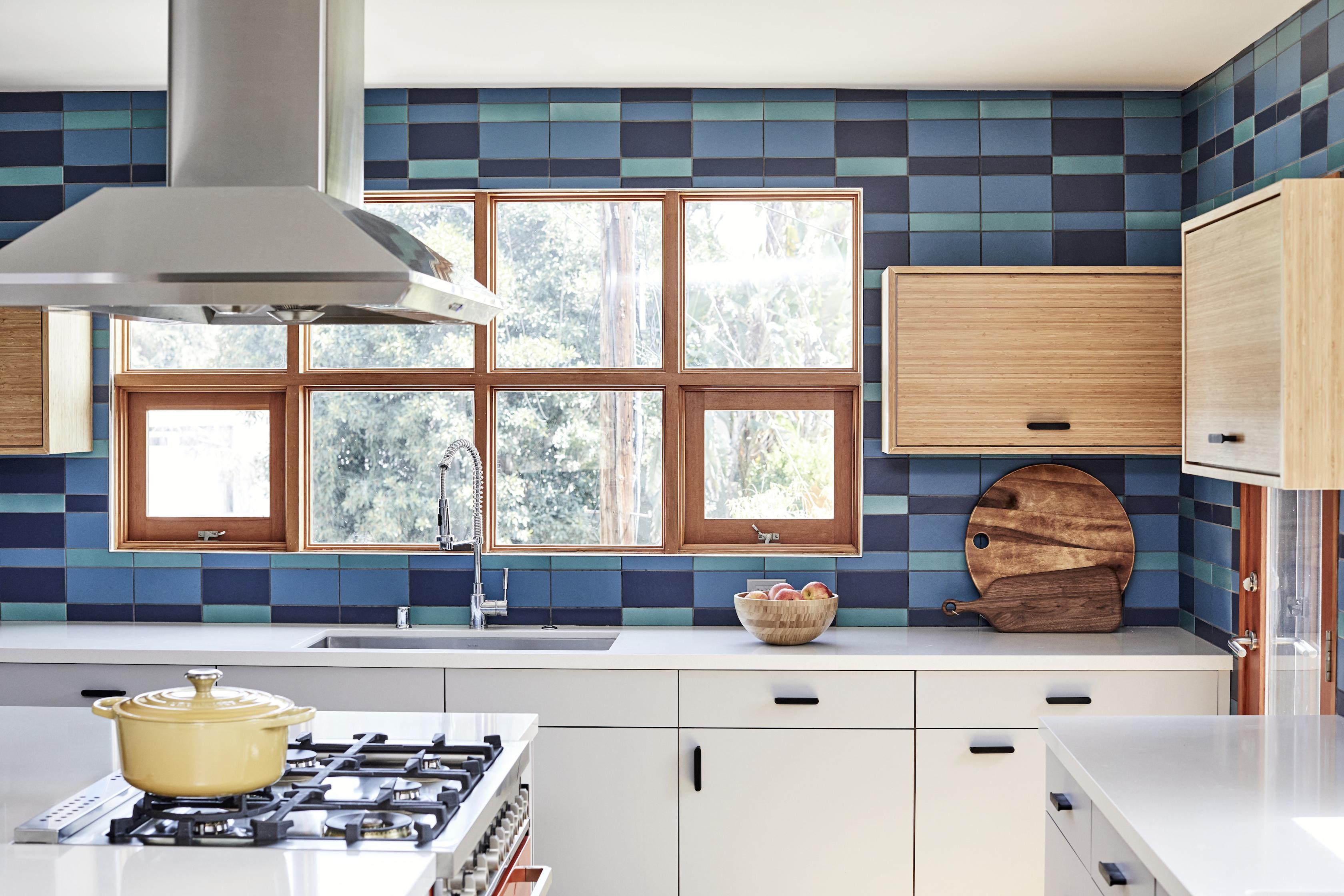 2017_q4_img_hi_res_rights_residential_the_niche_home_jenna_Peffley_photo_ceramic_kitchen_backsplash_plaid_peacock_2x8_4x8_fluorite_2x8_4x8_blue_velvet_2x8_4x8_blend_FC207276_3_181029_153441.jpg?mtime=20181029153441#asset:423583