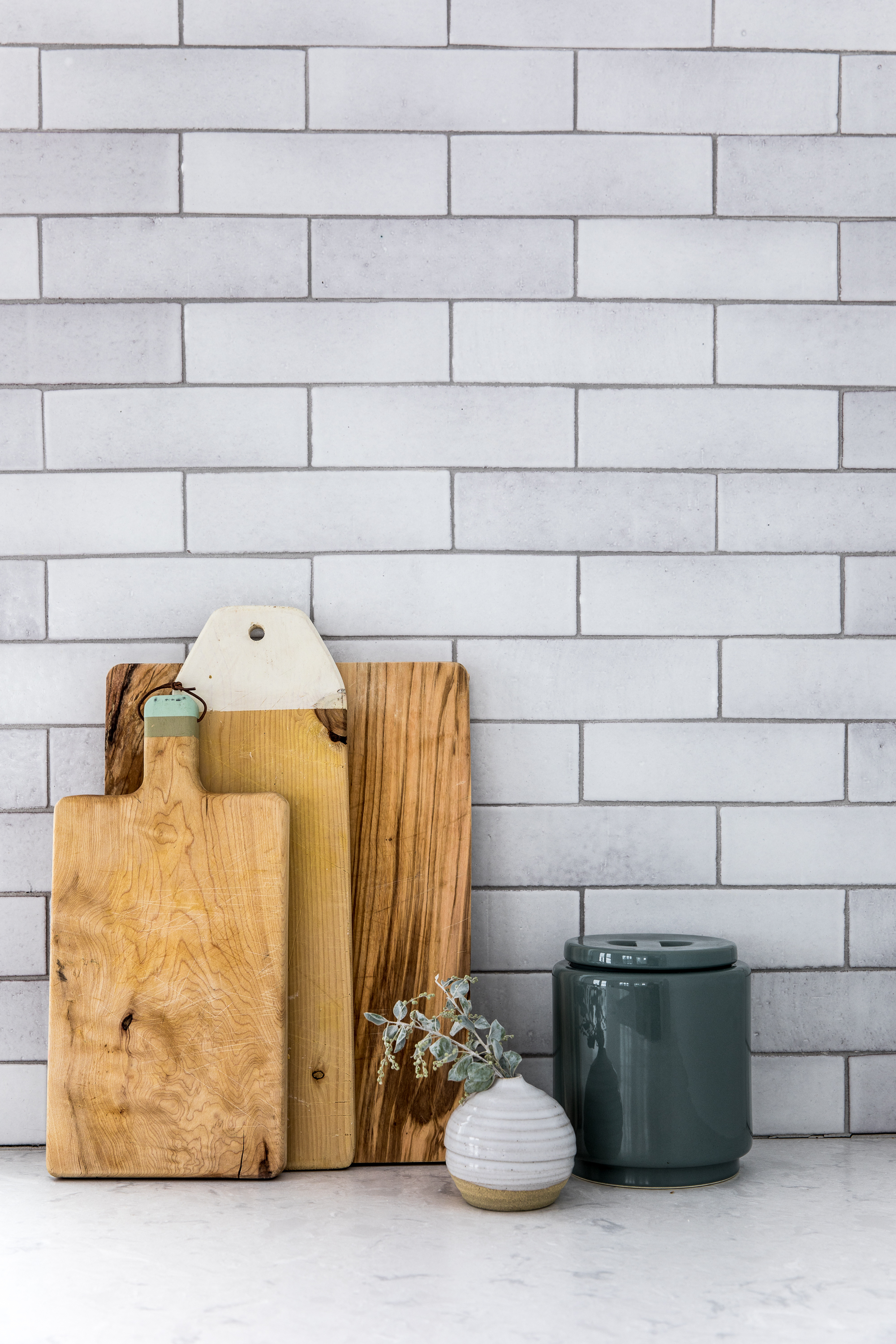 2018_Q1_image_residential_influencer_Fresh_Exchange_kitchen_backsplash_brick_cotton_detail_14_white_mountains.jpg?mtime=20181119104713#asset:426364