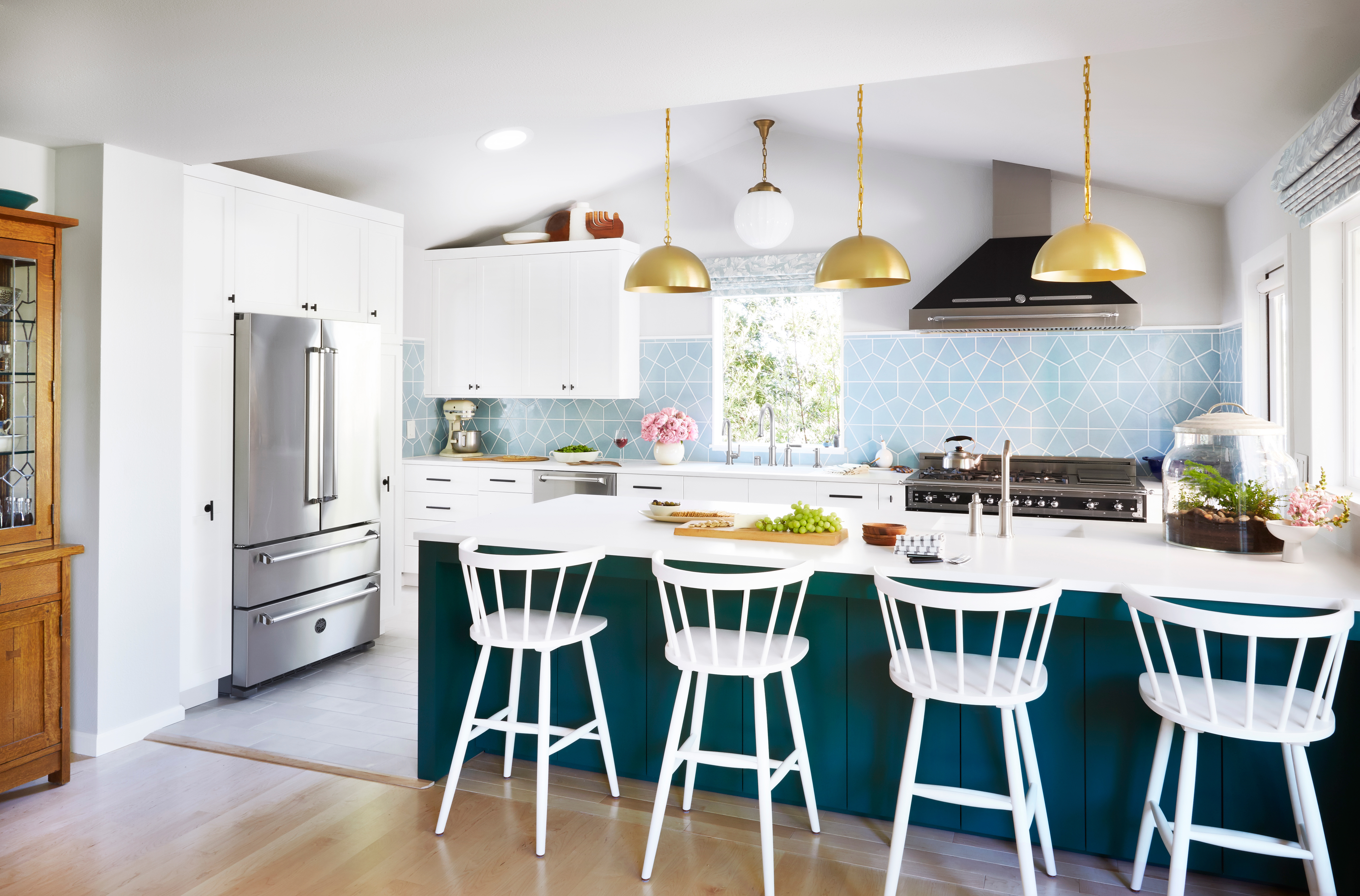 Orlando Soria's parent's kitchen reveal, featuring our Hexite in Crater Lake