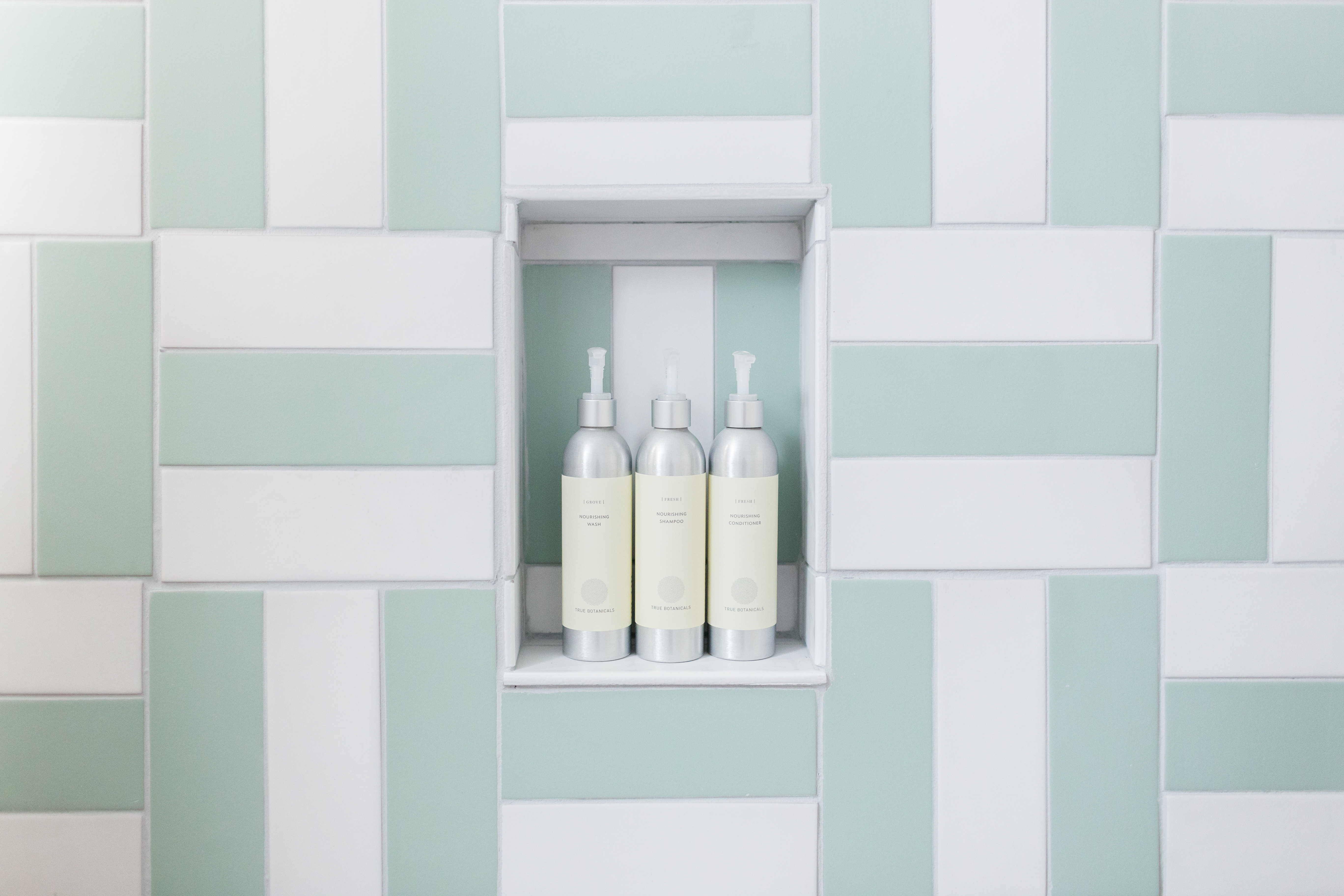 2018_Q3_image_residential_influencer_Kitchy-Kitchen_Claire_Thomas_bathroom_wall_floor_tile_parquet_straight_set_daisy_sea_glass_3x9_guest_bath_niche_detail.jpg?mtime=20181030162843#asset:423796