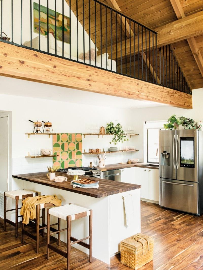 Kitchen backsplash featuring our Harvest handpainted tiles.