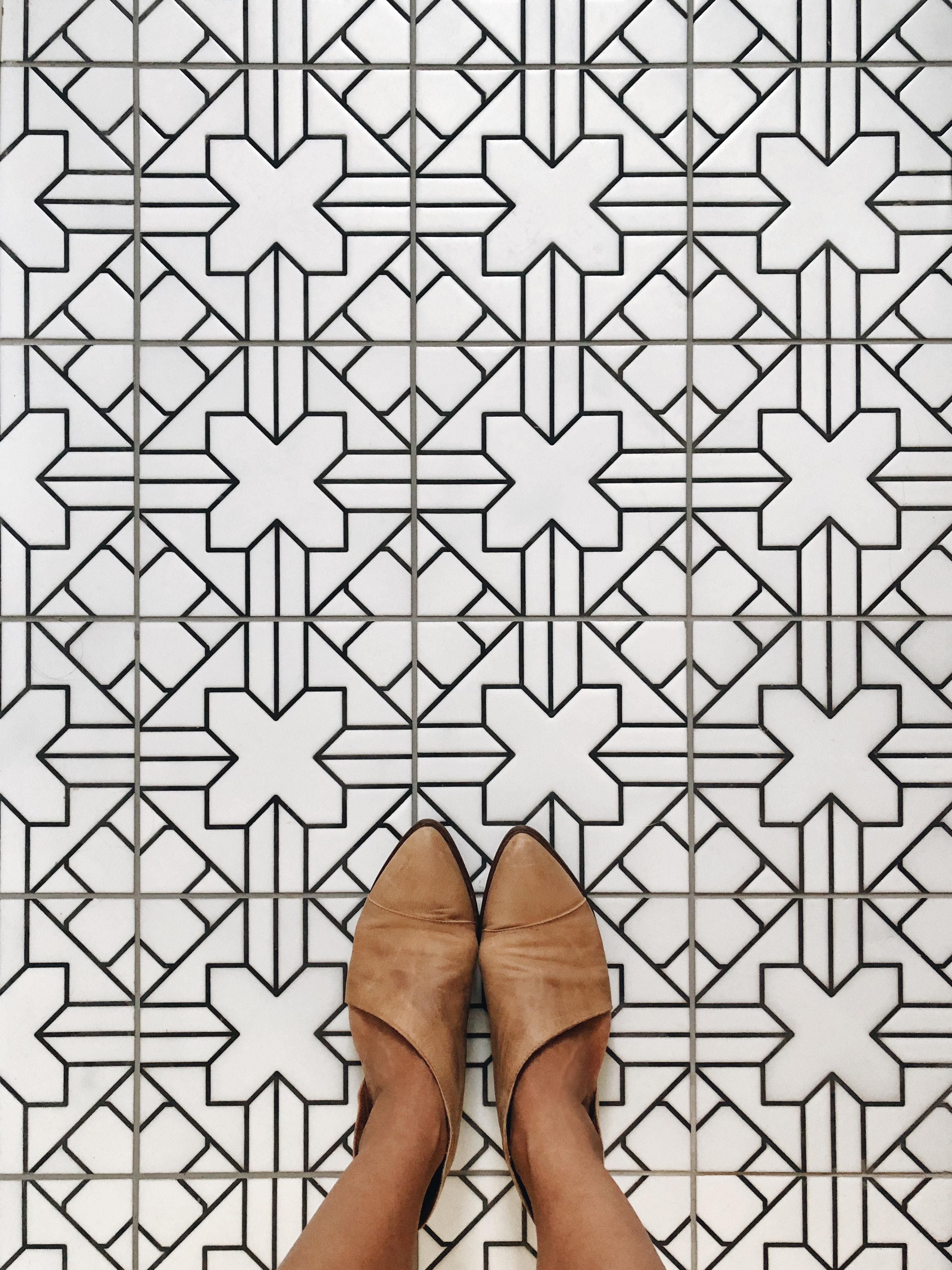 2018_Q4_image_hi_res_full-rights_influencer_Patti_Wagner_bathroom_floor_handpainted_tile_kasbah_neutral_motif_with_feet_detail_FC-232655.jpg?mtime=20190220143704#asset:437965