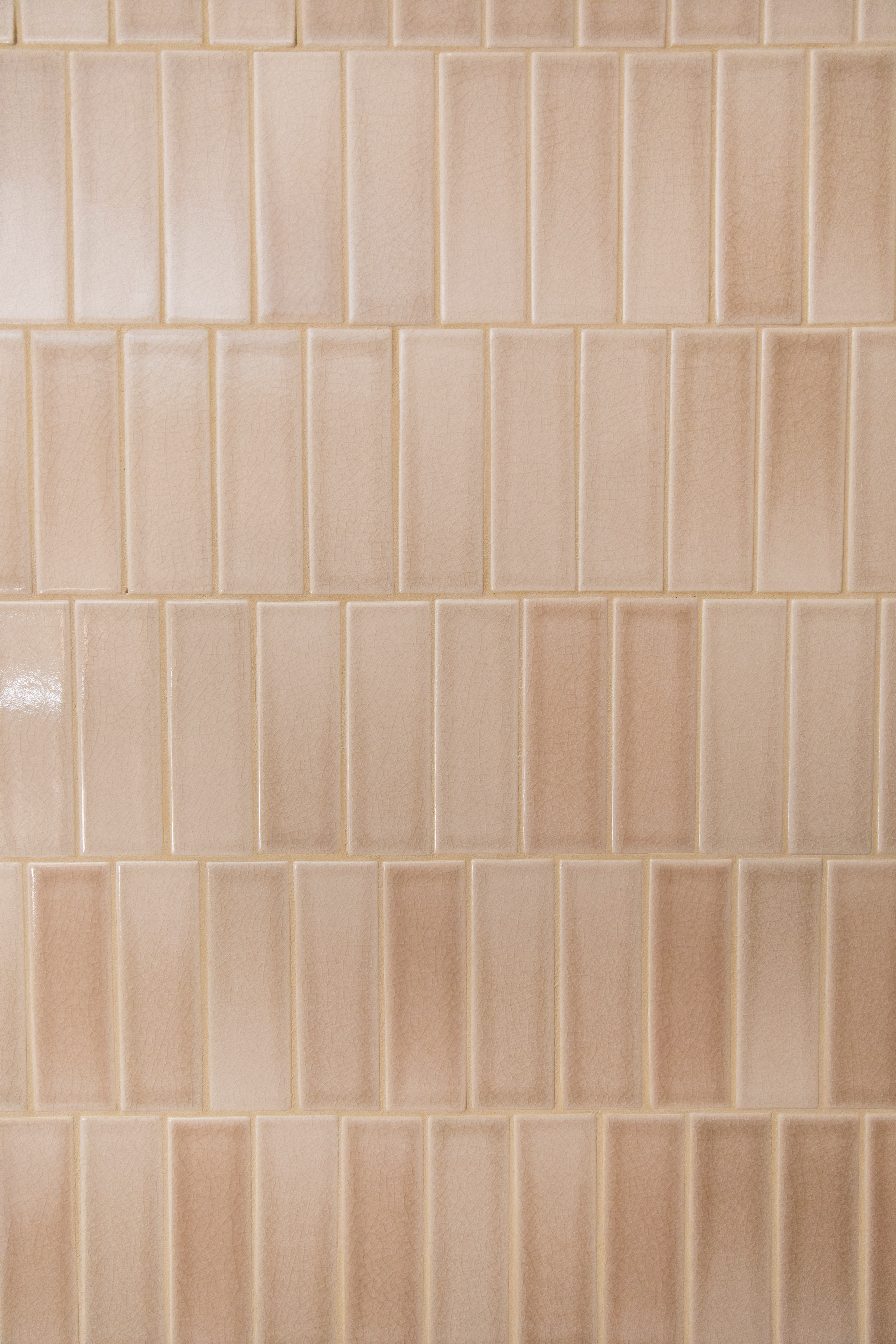 Our glaze Sand Dune has the highest degree of color variation making for a beautiful handmade look.