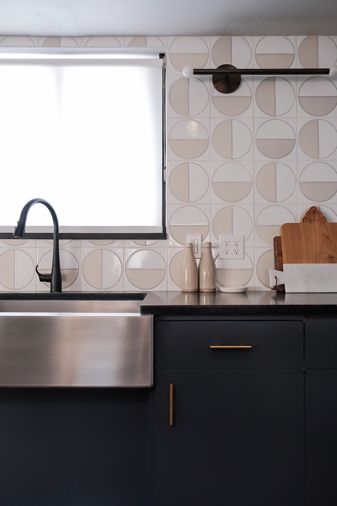 Handpainted Harvest Tiles in White Motif outfit this kitchen backsplash.