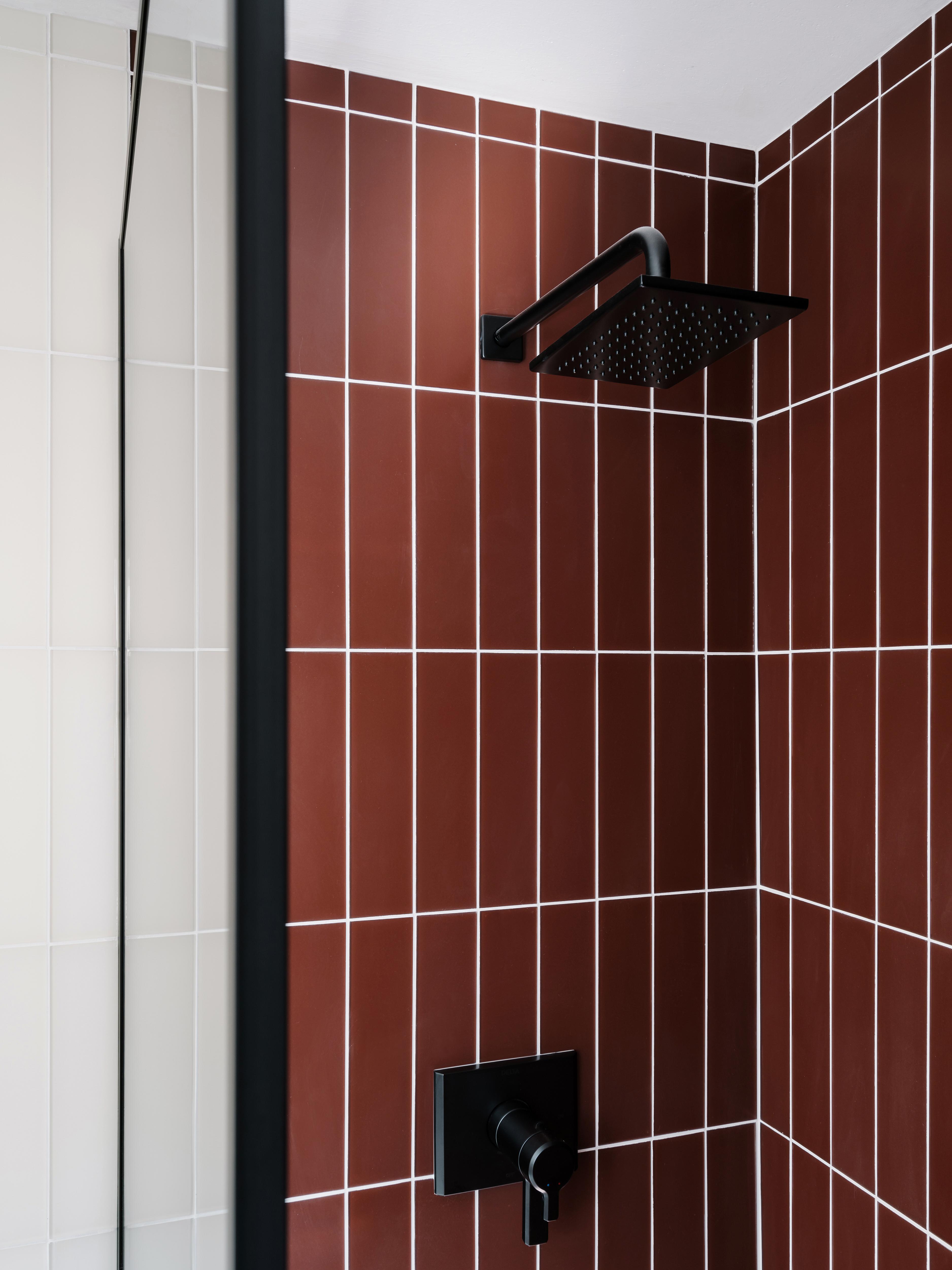 BLOG-2019_Q2_image_residential_full-rights_influencer_design_photo_chase-daniel_bathroom_shower_walls_glass_pheasant-matte_sparrow-matte_3x12_floor_tile_3x12_halite_vertical_straight-set_fixture_detail_FC-263094_FC-263091.jpg?mtime=20190508154928#asset:451623