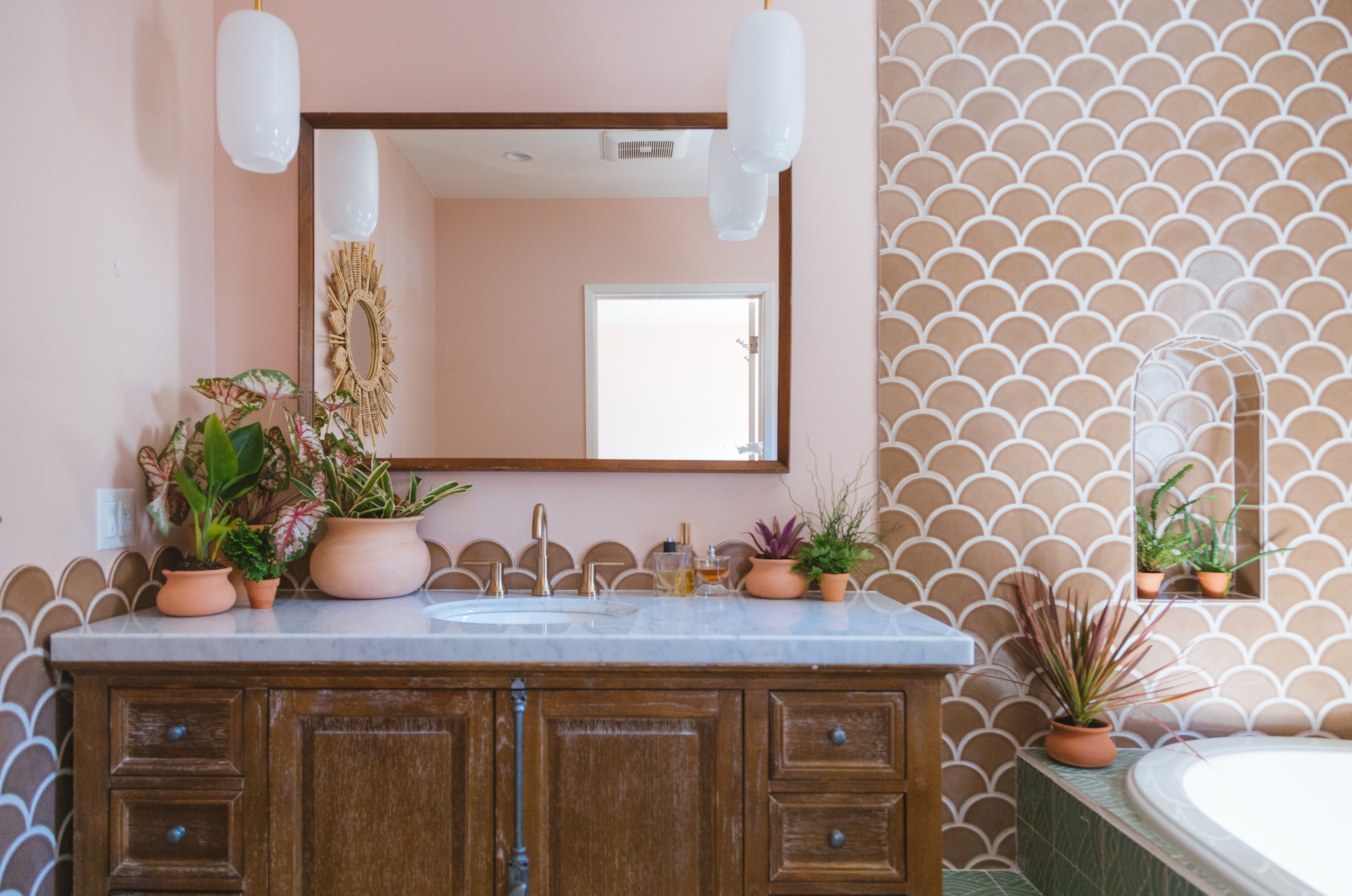 Q3_2018_image_residential_influencer_full-rights_Justina_Faith_Blakeney_parents_condo_masterbath_wall_tile_nutmeg_ogee_drop_floor_handpainted_summit_green_motif_vanity_arched_niche_detail.jpg?mtime=20181008160918#asset:420254